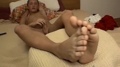 Twink Veso Feels Horny After Rubbing His Toes And Wanks