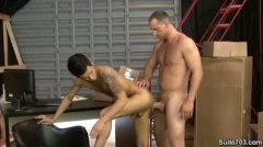 Girth Brooks Fucks Seth - Suite (hard At Work)