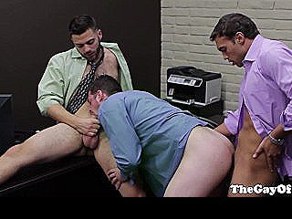 Gaysex Suits Threeway Action With New Recruit