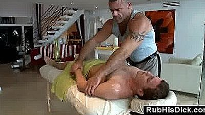 Sexy Gay Massage With Sexy Amateur Guy