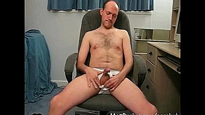 Real Amateur Daddy Jerking Off On Webcam