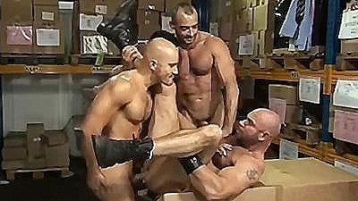 Hung Hunks Fuck