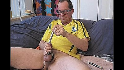 One Hour Of Mellow Yellow Masturbating Fun