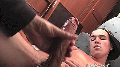 18 Skater Boy Gets First Handjob