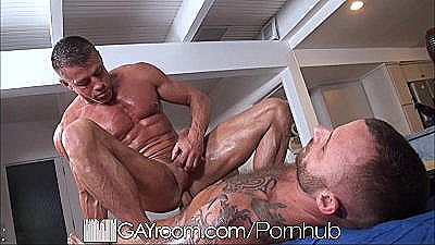 Gayroom Bodybuilder`s Gets Happy Ending Massage