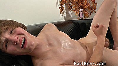 Cute Skater Boy - Handjob Adventure
