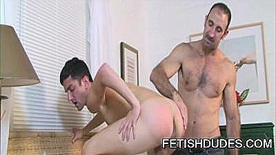 Steven Richards And Skyler Grey: Daddy Worshipping A Firm Young Butt