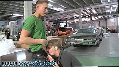 Jocks Gay Porn In This Week`s Out In Public Update, We`re Chilling